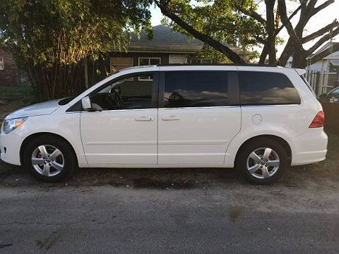 Image of Used 2011 Volkswagen Routan SE