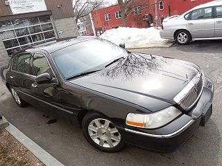 Image of Used 2011 Lincoln Town Car Executive L