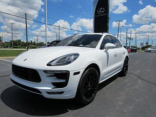 Image of New 2017 Porsche Macan GTS