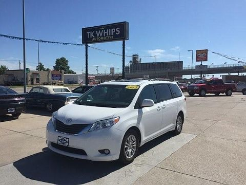 Image of Used 2012 Toyota Sienna XLE