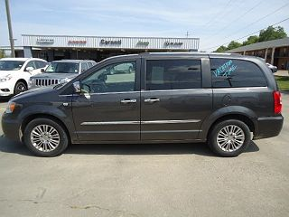 Image of Used 2014 Chrysler Town & Country Touring