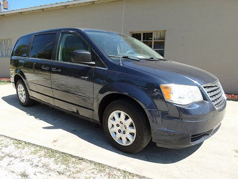 Image of Used 2009 Chrysler Town & Country LX