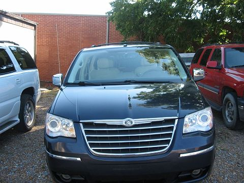 Image of Used 2008 Chrysler Town & Country Limited Edition