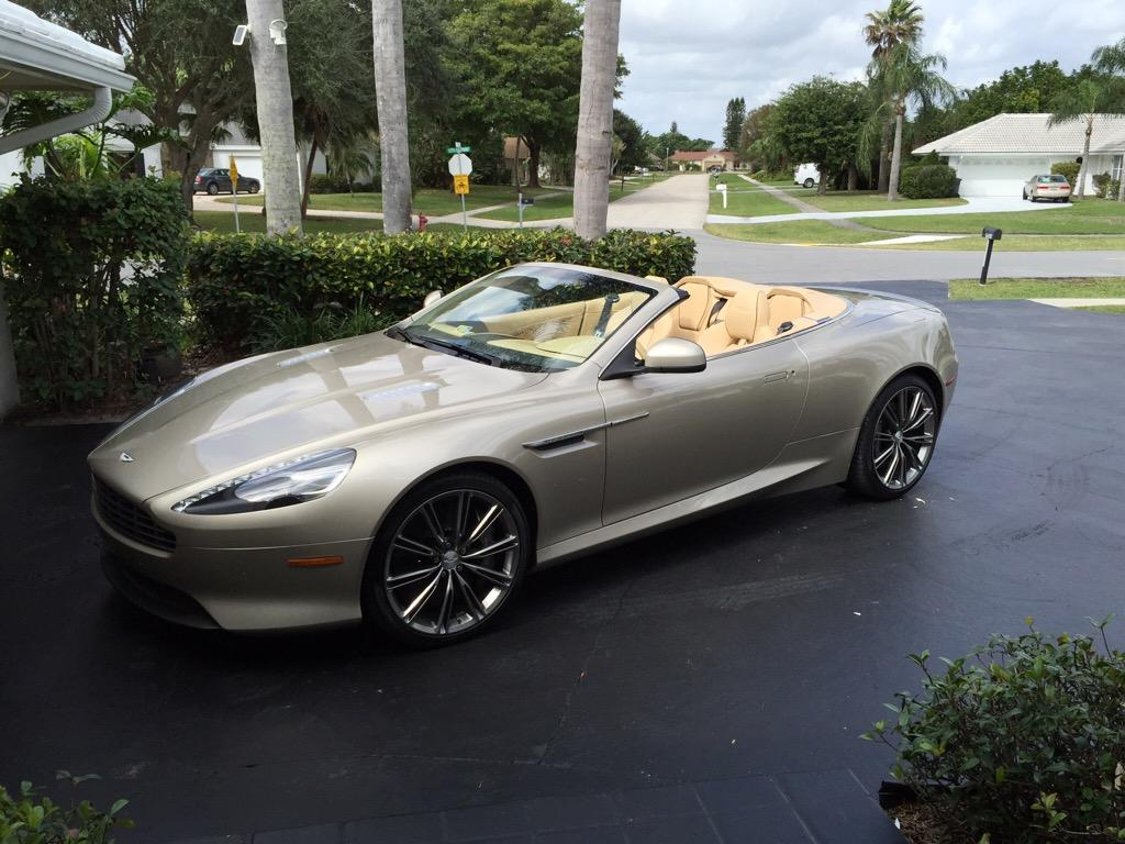 2011-Aston-Martin-Rapide
