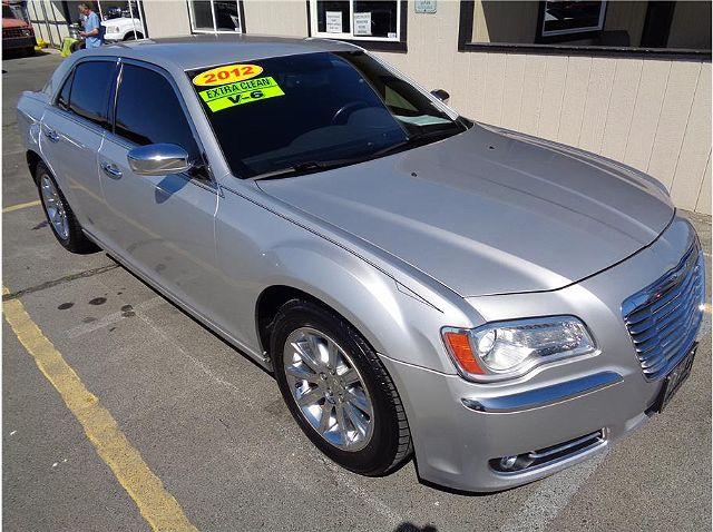 2012 Chrysler 300 Limited Edition