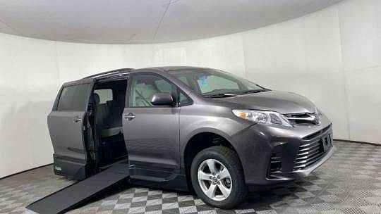 2019 Toyota Sienna LE Mobility