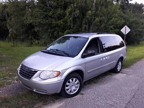 Image of Used 2007 Chrysler Town & Country