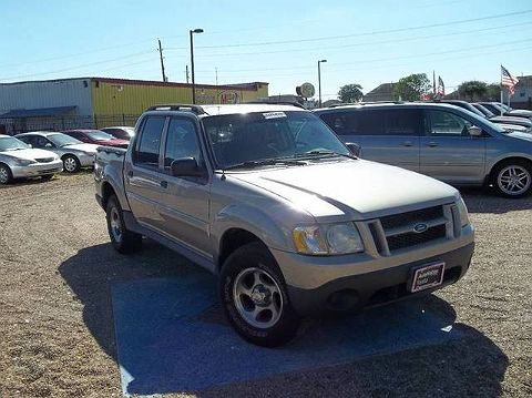 Image of Used 2004 Ford Explorer Sport Trac XLS