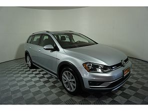 Image of Used 2017 Volkswagen Golf Alltrack SE
