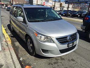 Image of Used 2009 Volkswagen Routan SE