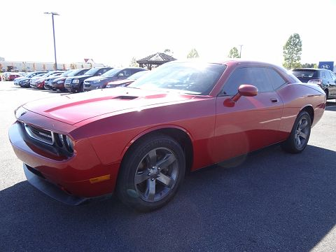 Image of Used 2010 Dodge Challenger SE