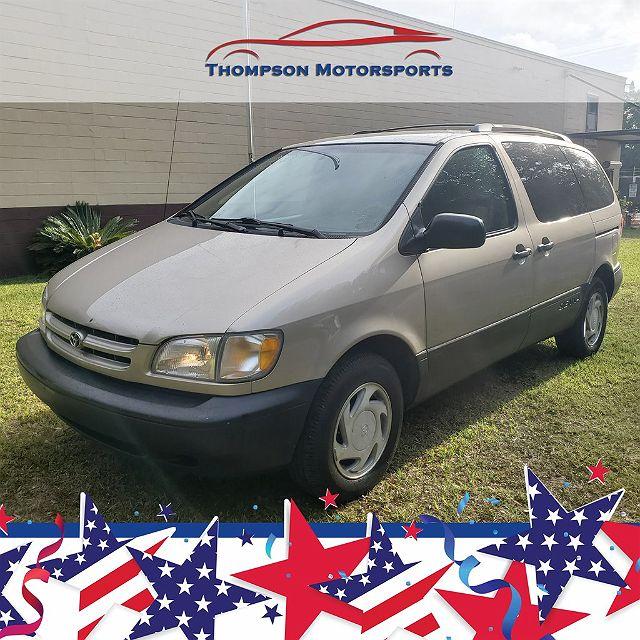 2000 Toyota Sienna LE