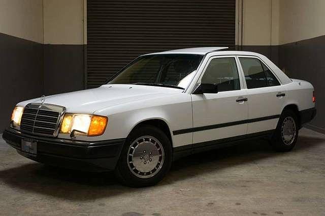 1989 Mercedes-Benz 300 E