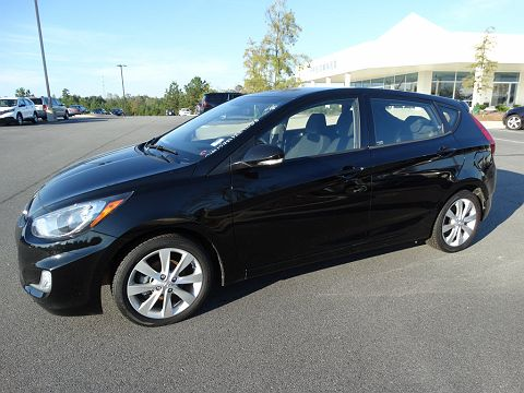 Image of Used 2013 Hyundai Accent SE