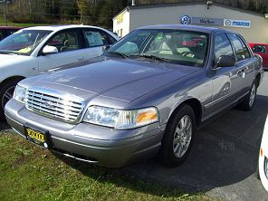 Image of Used 2006 Ford Crown Victoria LX