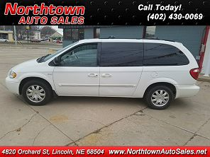 Image of Used 2005 Chrysler Town & Country Touring