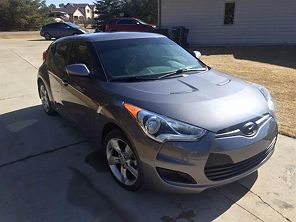 Image of Used 2013 Hyundai Veloster Base
