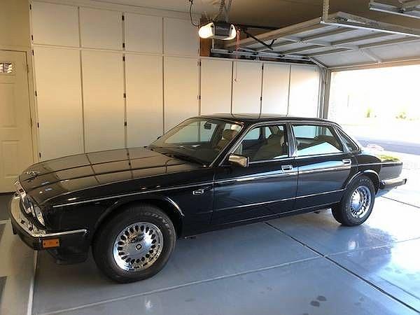 1988 Jaguar XJ Vanden Plas