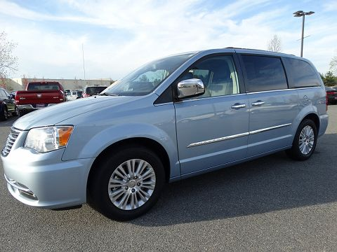 Image of Used 2013 Chrysler Town & Country Touring