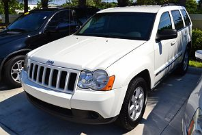 Image of Used 2010 Jeep Grand Cherokee Laredo