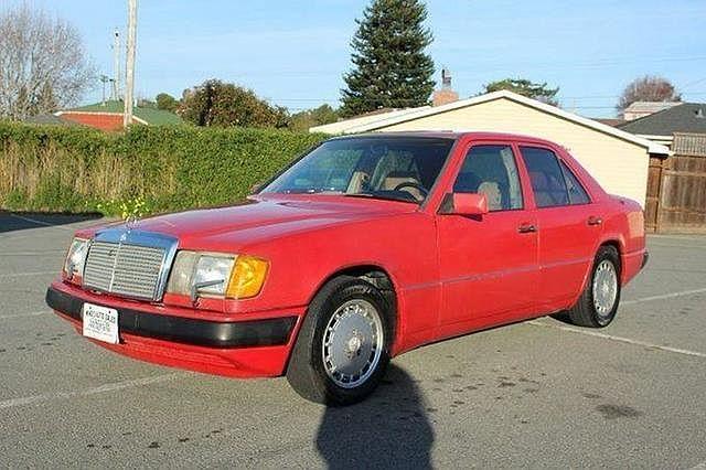 1987 Mercedes-Benz 300 E