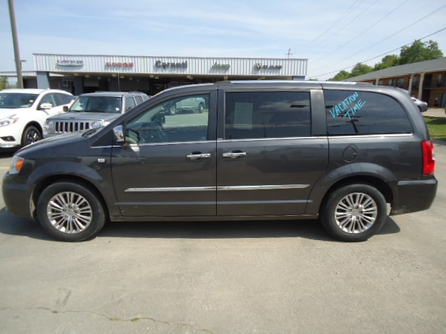 2014 Chrysler Town & Country Greenville MS